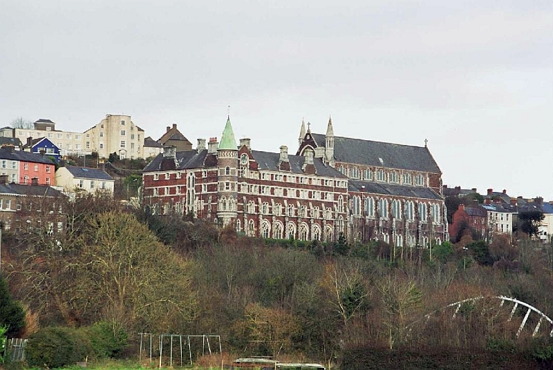 _Red-hostel