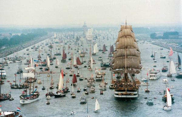 Парад кораблей в Амстердаме