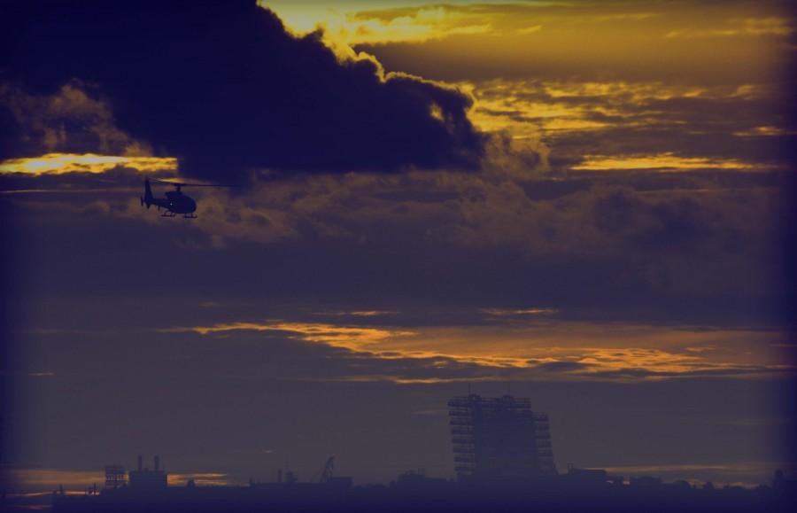 Вертолет над Невой