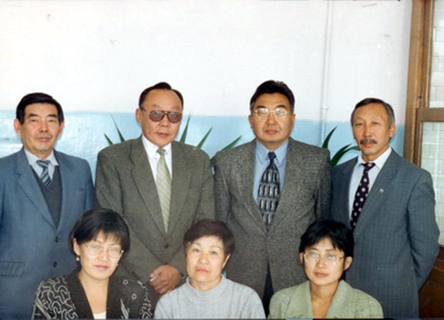 Второй слева Ральдин Баир БУдаевич.jpg