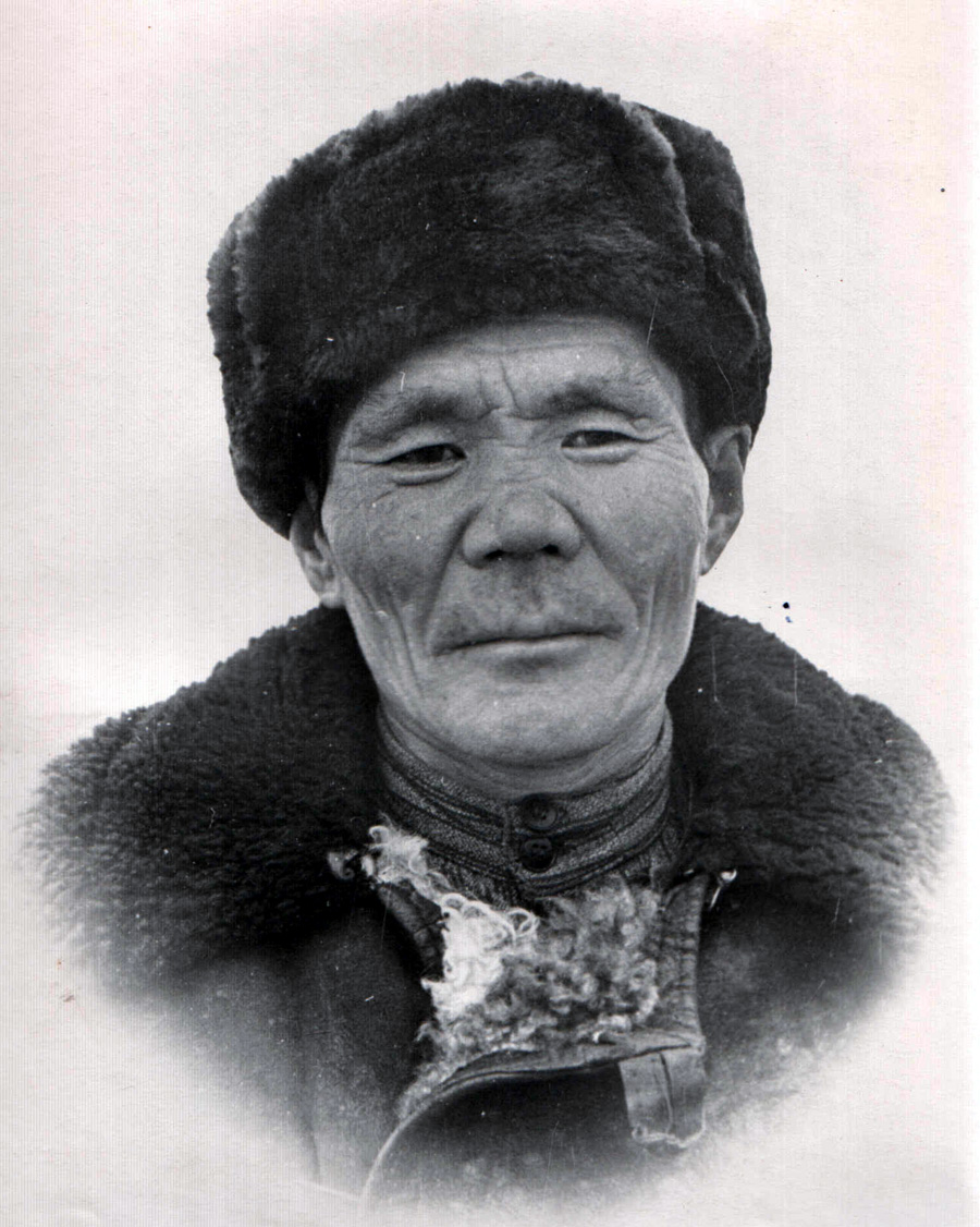 Галчиев Радна, ст. чабан, Судунтуй.jpg