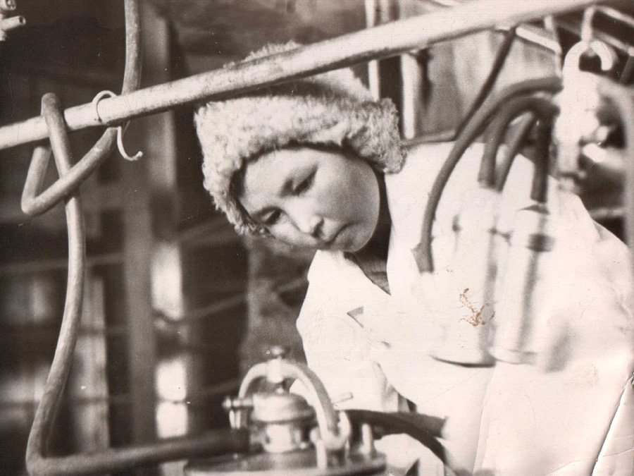 Гомбоева Цыпылма, Ц-Хангил, доярка с Молодежного. 1962 г..jpg