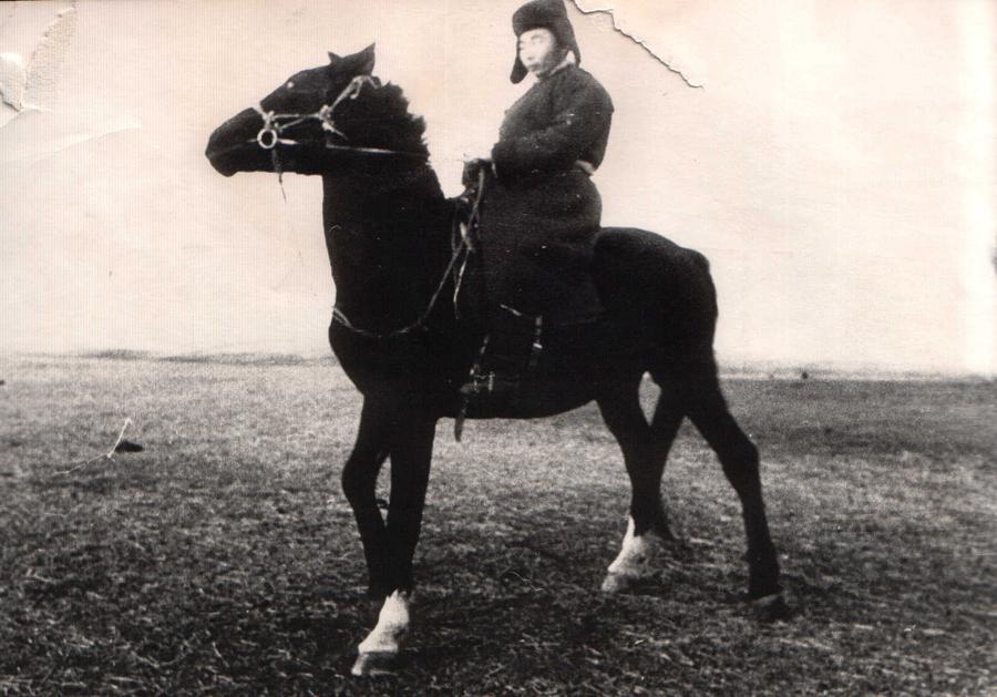 Линхобоев Дугаржаб, племянник Лх. Линховоина, чабан к-з Путь Ильича.jpg