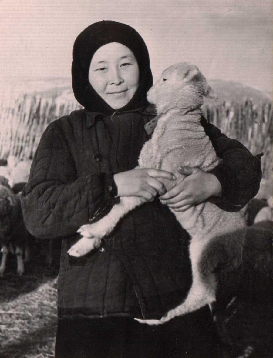 Надя Нарашкина, Х-Шибирь. Сакманщица. Фото Вялова. 1957 г..jpg