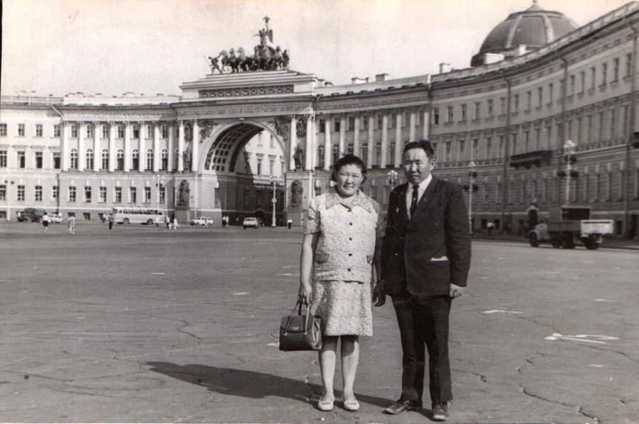 Пурбуев РЦ с супругой в Лениграде.jpg