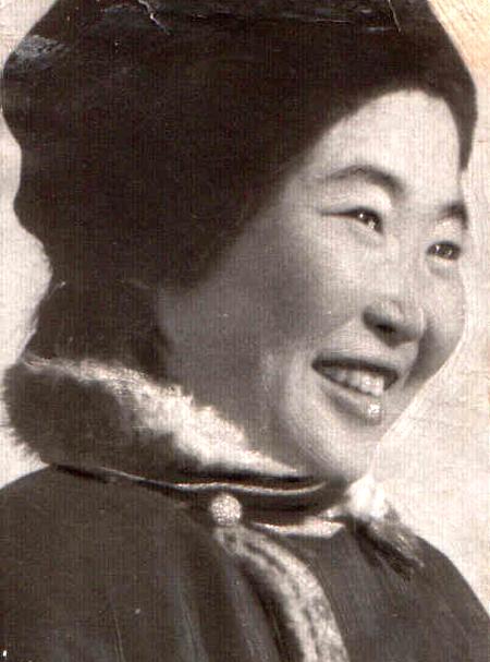 Сыныдма Жигмитова, чемпионка области по стрижке овец. 1962 г..jpg