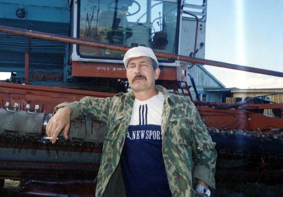 Владимир Мирсанов, механизатор Кункур.jpg