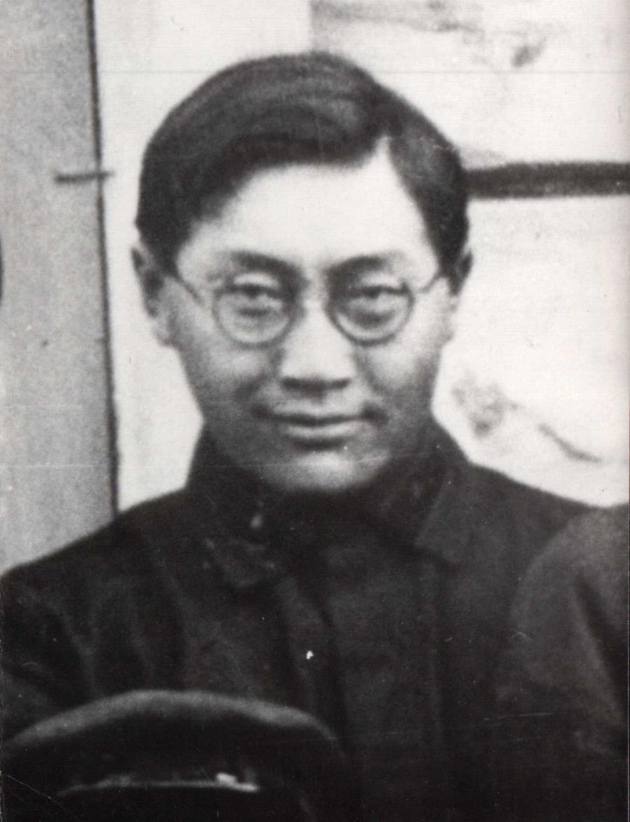 Зыдыгийн Цыцык. Один из первых учителей в Кункурских степях.jpg