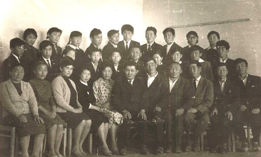 7. Первый выпуск Будаланской ср. шк. 1964-65 г..jpg