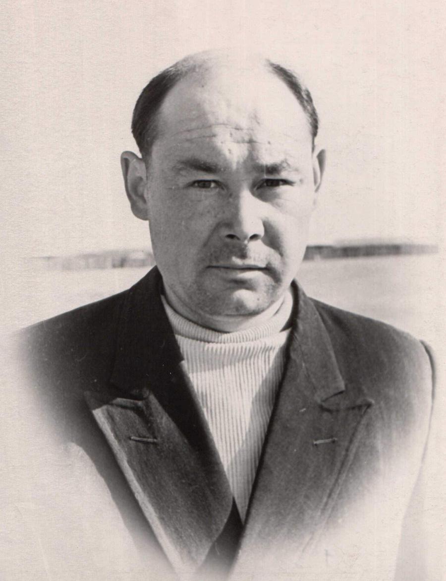 Герфанов, Гунэй, тракторист.jpg