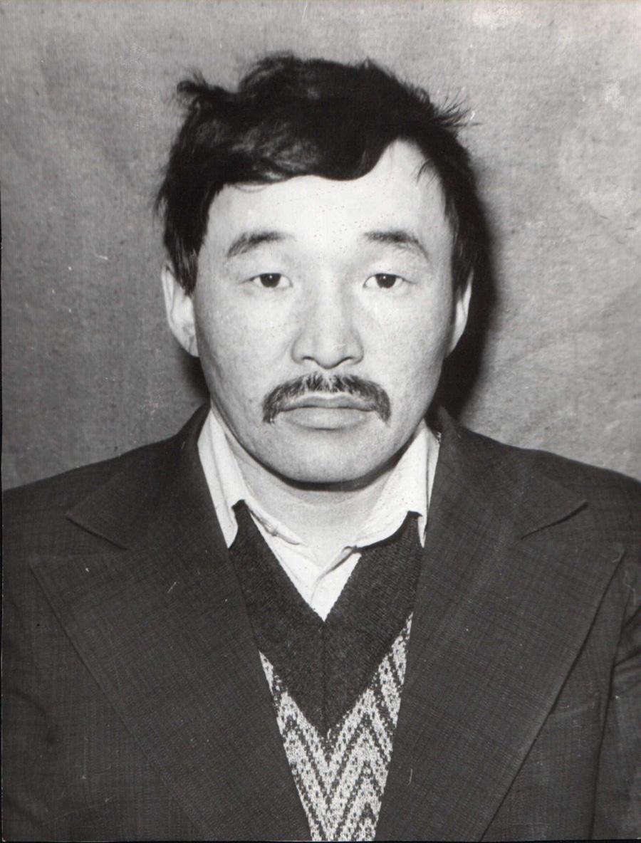 Абарзадиев Б-М., Улан-Одон, чемпион округа, комбайнер.jpg