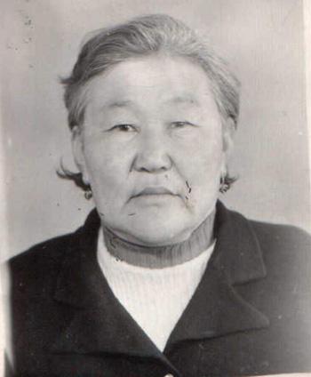 Аюшиева Сэндэмэ, дэлбэрхэй, 1930 г.р..jpg