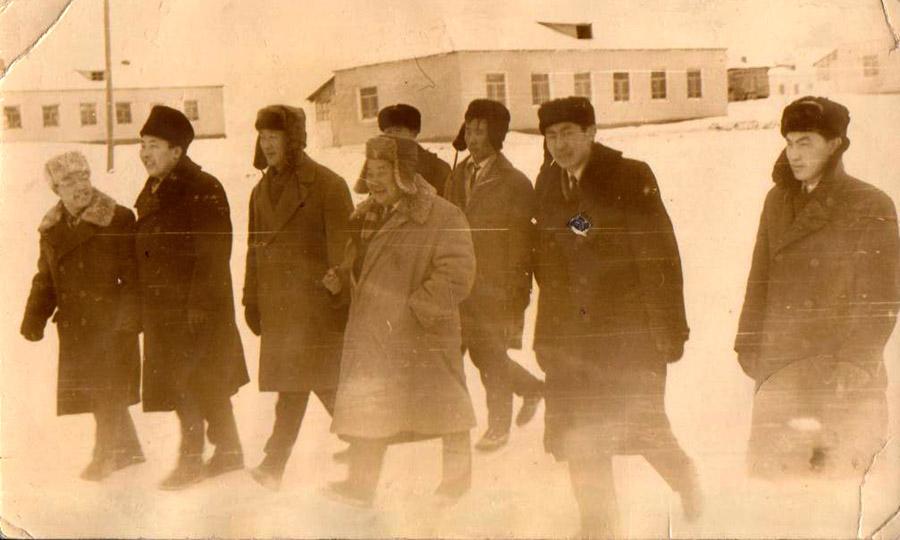 1966 год. Ж.Балданжабон, Д.Ульзытуев с. Судунтуй..jpg