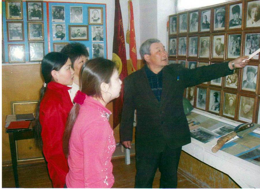 директор музея с. Судунтуй Дугаржапов Б.Ц..jpg