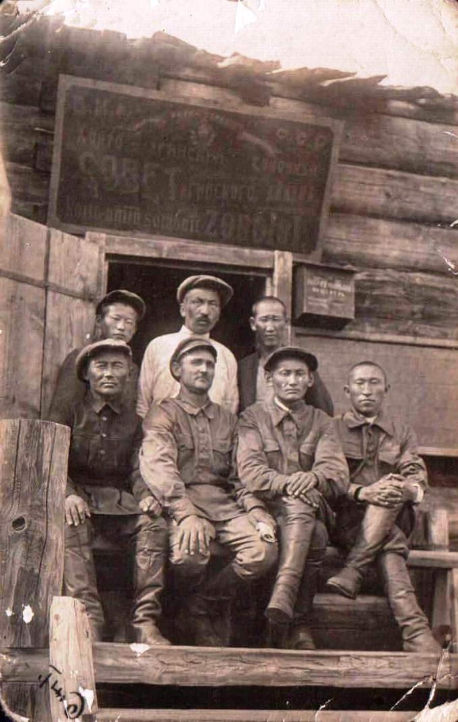 5. 1935 год. Хойто-Ага. К-з им. Ербанова.jpg