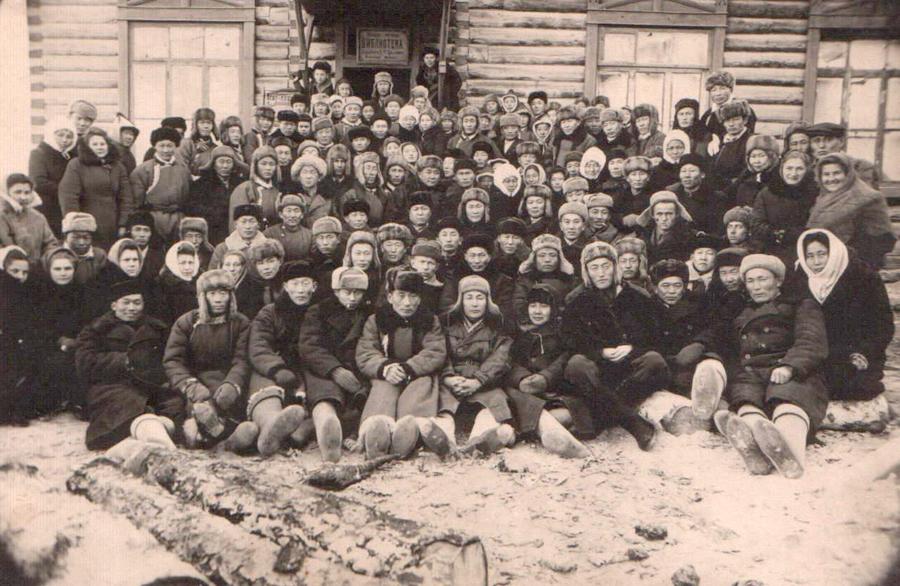 10. с.Агинское. Окружная учительская конференция. 5 января 1949 года.jpg