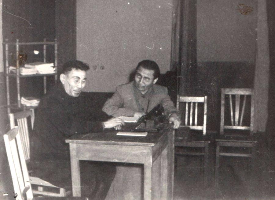 30. В штабе революции.jpg