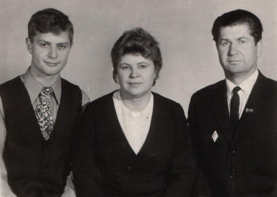 12. Вялов и его семья. Какие красивые люди!.jpg