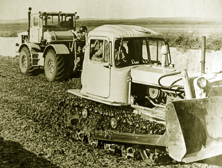Колхозная техника.jpg