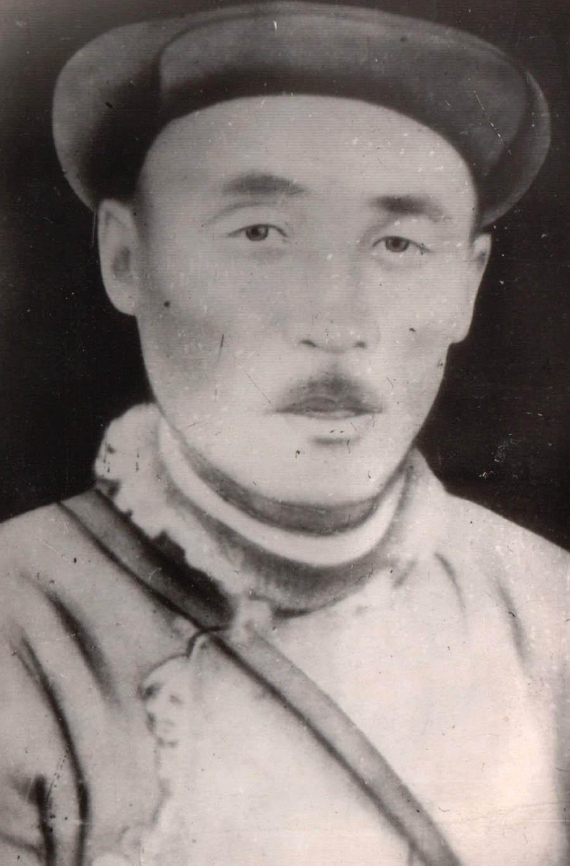9. Цыдено Доржи, 1 председатель коммуны Саханай. (1888-1938).jpg