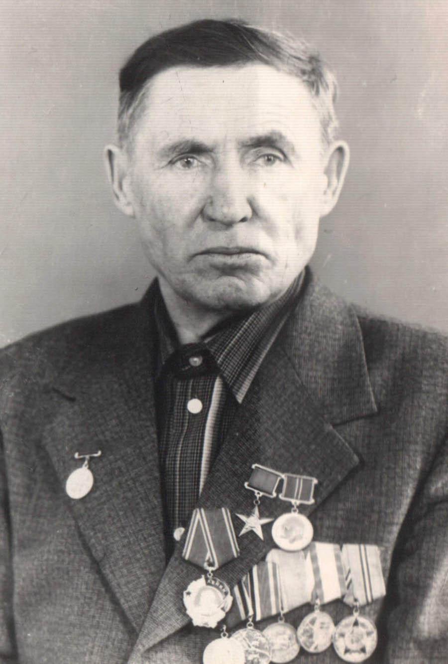 16. Пристромов, Герой Соц. Труда.jpg