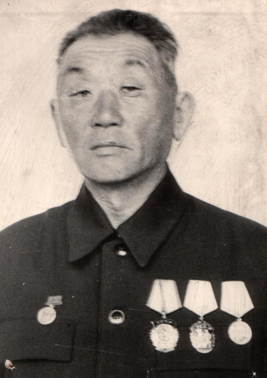 1. Линхобоев Бальжанима, один из вервых руководителей артельного хоз-ва округа.jpg