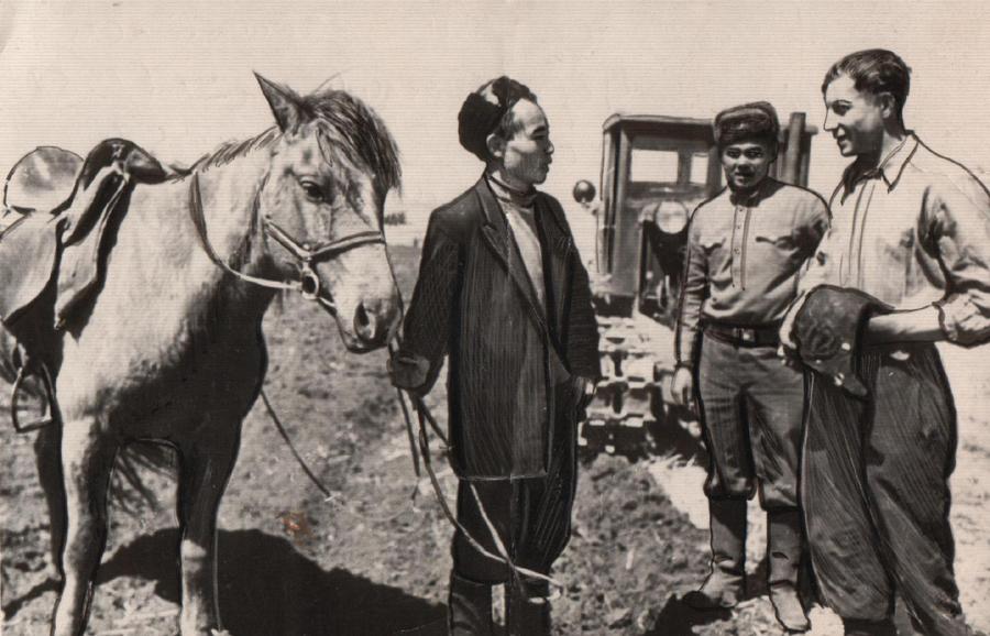 16. Молодой агроном Лубсан Цыренжапов после окончания ВУЗ в 1957 году.jpg