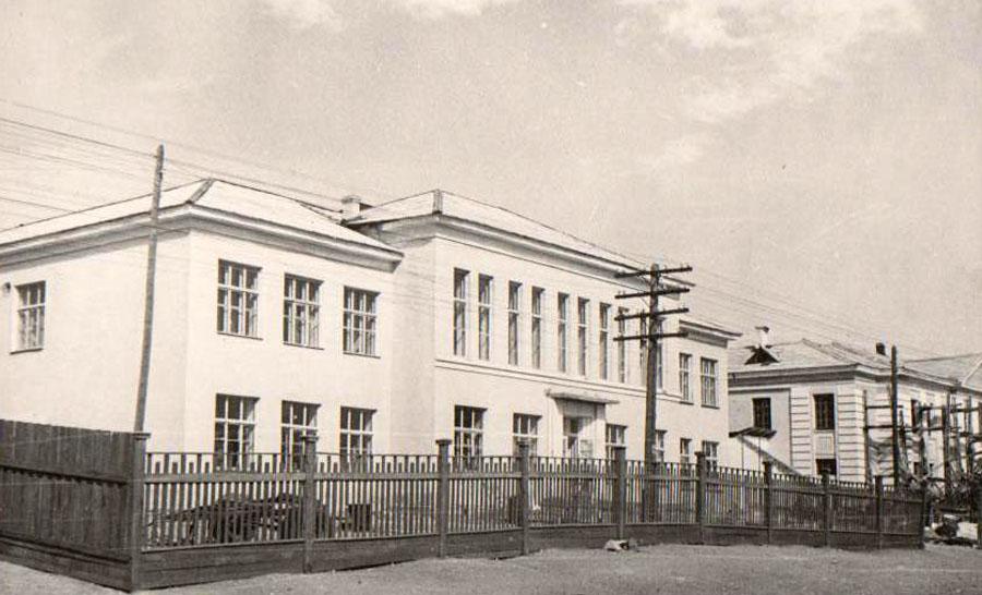 33. интернат на ст.Могойтуй 1960г..jpg