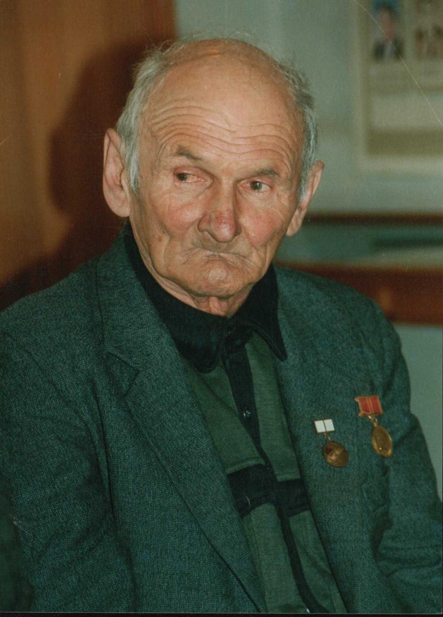 Павлов Виктор Мих. Новоорловск 2004 г.jpg