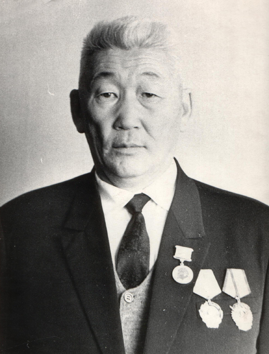 33. Жамсаранов Даши Гомбоевич, директор АТП.jpg