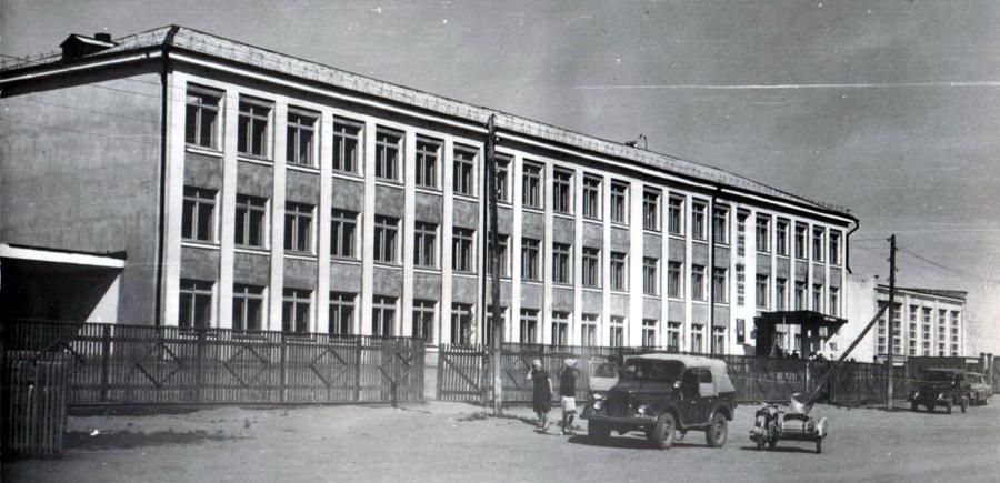 10040. Хара-Шибирь, школа.jpg