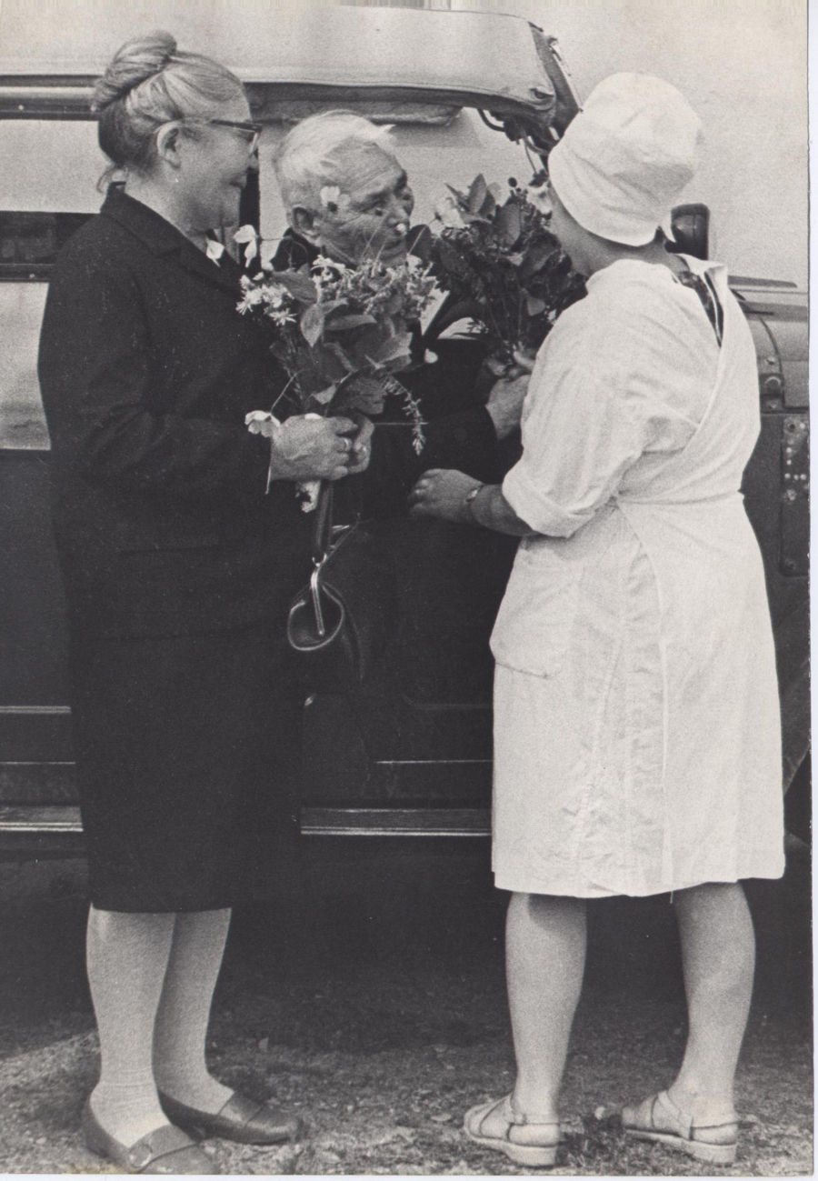 Токмаков И.Е. в 1937 году зав. Аг. аптекой 18..jpg