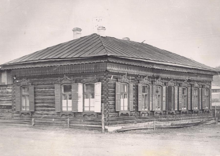 1. Дом купца Лейзенберга, перевезённый с курорта Дарасун для больницы.jpg