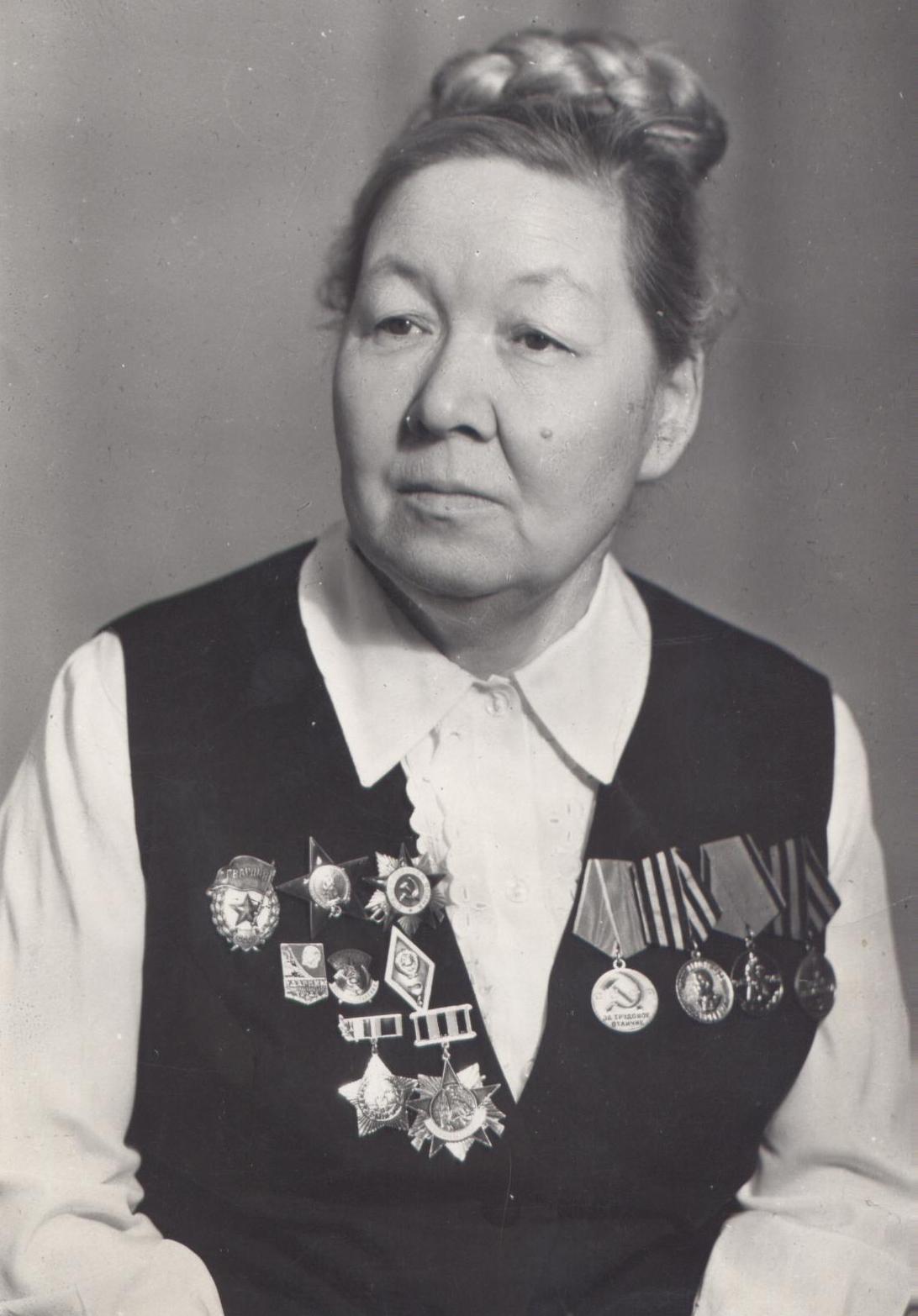 2. Серазетдинова Сара Ханафеевна.. гл. врач в 1938 году.jpg