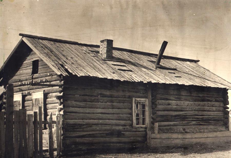 2. Старый медпункт построенный в 1950 году.jpg