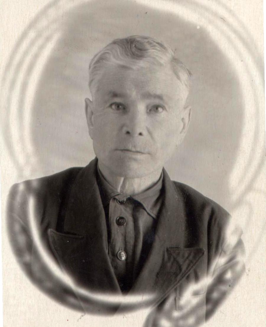 10. Иван Елиферьевич Токмаков, фельдшер, окончил училище военных фельдшеров в 1916 году.jpg