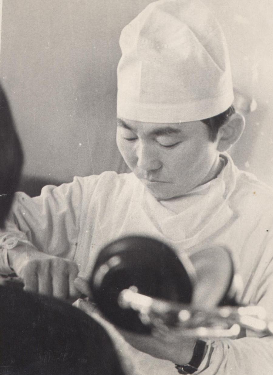 13. Первый врач-ортопед Д. О. Очиров.jpg