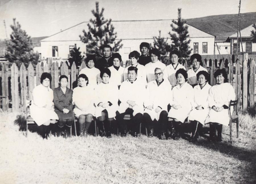 1977 год Коллектив СЭС.jpg