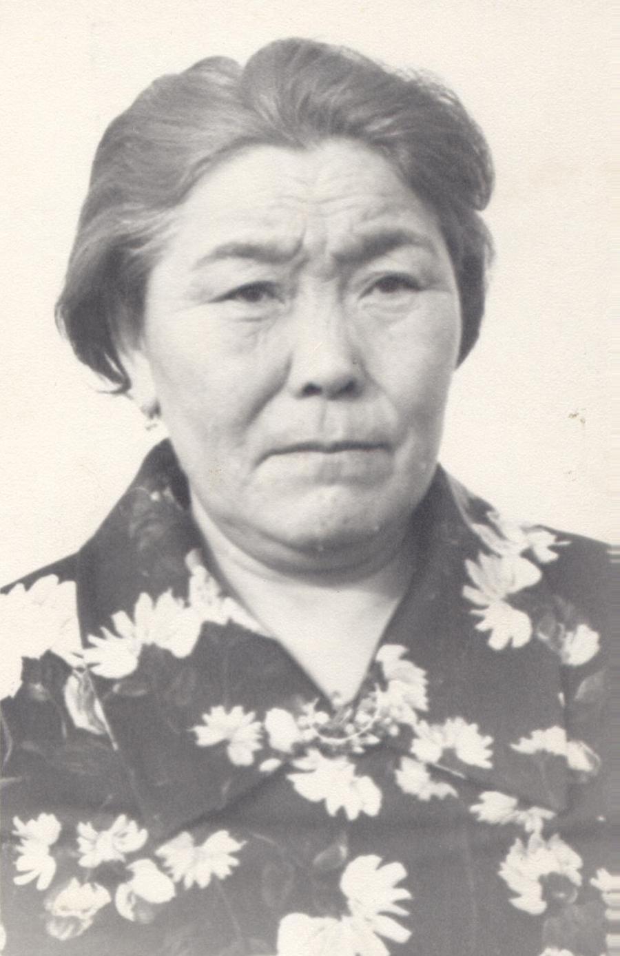 Рыгзынова Цыбегмит, фельдшер. Фото 1983 года..jpg