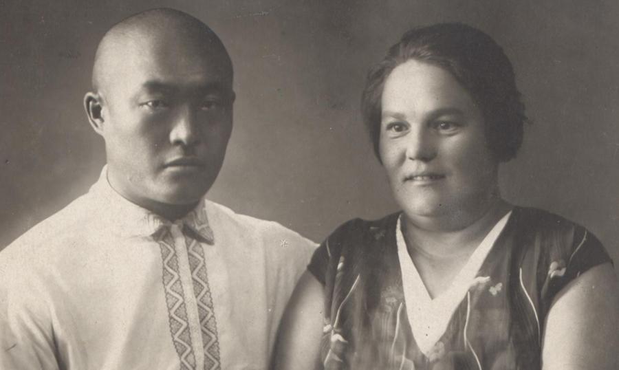 1. Врачи Ертыгаев и Ягодина. В 1930 годах организовали в Аге венерологический диспансер.jpg