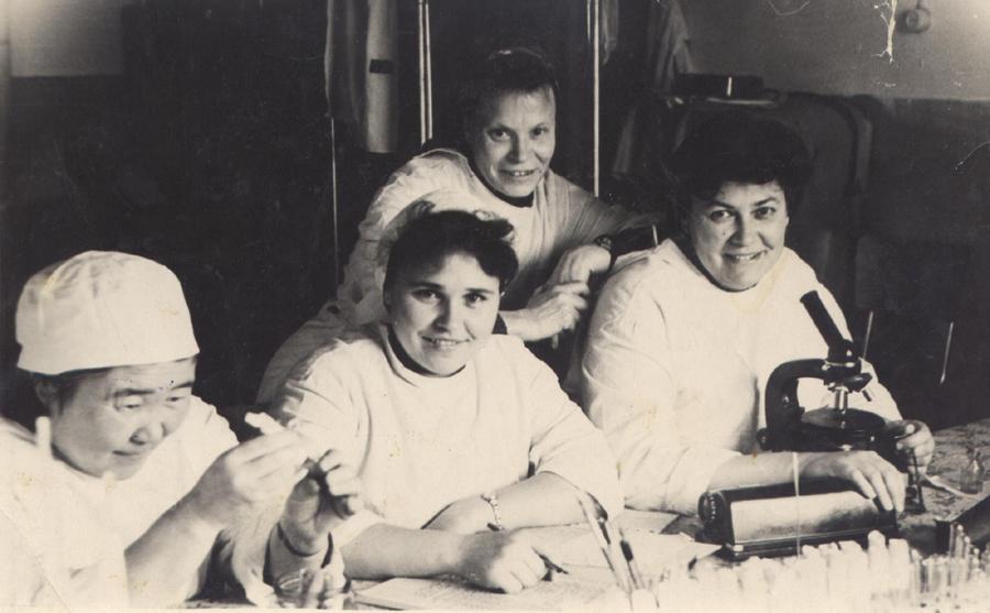 2. Лаборатория. 1964 год.jpg