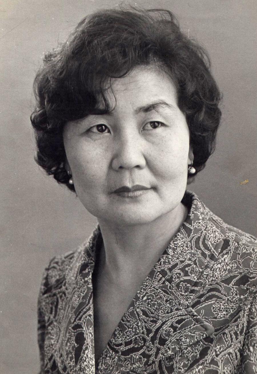 Гомбоин-Дугарова Галина Доржиевна. 1984 г..jpg