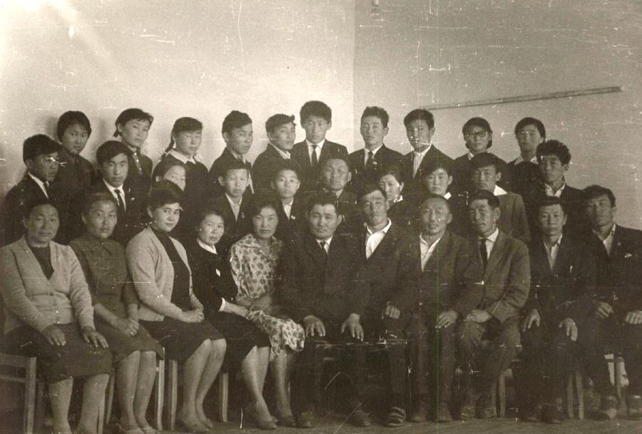 7. 1 выпуск Будаланской ср. шк. 1964-65 г.jpg