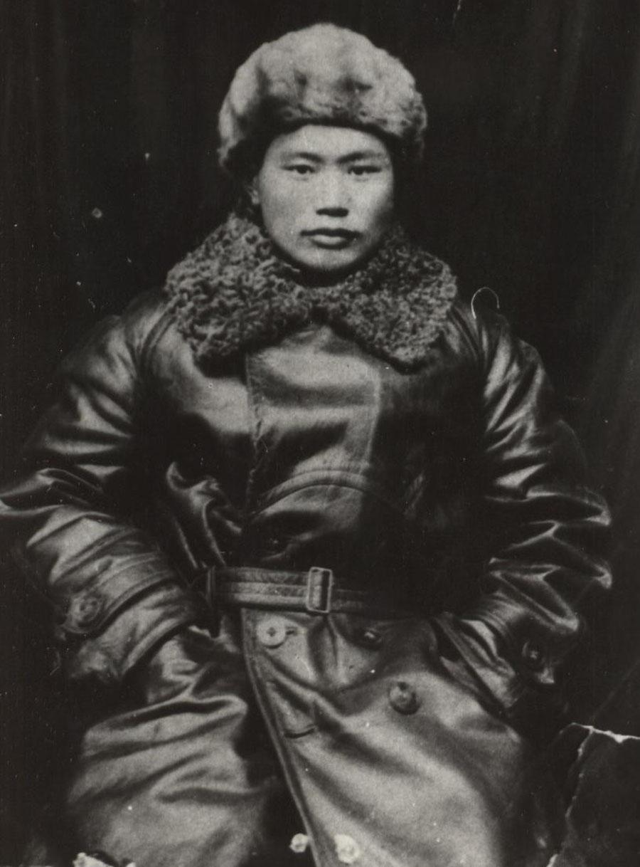Санжин Гылык-Сынгэ. Снимок 1932 года в Улан-Баторе.jpg