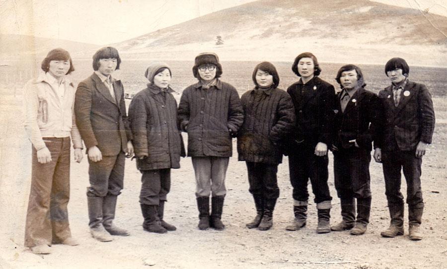 Токчин-9. Фото 1979 года. Члены КМОБ Булаг 1960 года рождения.jpg