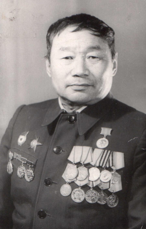 7. Батомунко Цырендоржиев.jpg