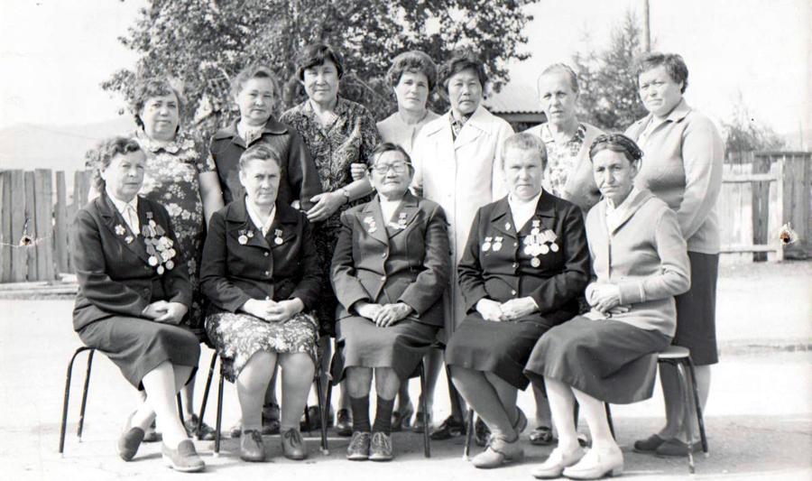 Ветераны Дульдургинской районной больницы.jpg