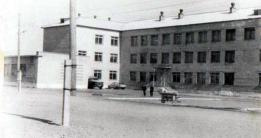 здание Дульдургинской школы.jpg