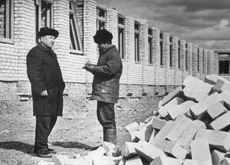 Сапожников, и бригадир Гомбоев Ампил.jpg