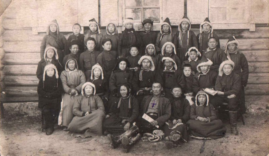 учащиеся Алханайской семилетки. 1930 год..jpg